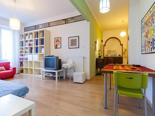 Cozy apartment close to the center of Naples with Lift, Internet, Air conditioni