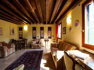 Cozy apartment in the center of Venice with Lift, Internet, Washing machine, Air