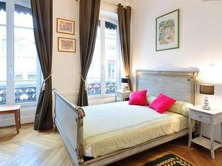 Apartment in the center of Lyon with Internet, Lift, Parking, Washing machine (4