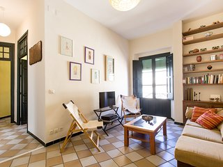 Apartment 397 m from the center of Seville with Internet, Lift, Balcony, Washing