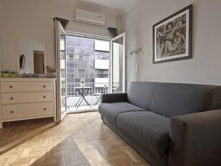 Apartment 679 m from the center of Athens with Internet, Air conditioning, Lift,