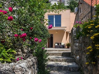 Bedroom in the center of Dubrovnik with Internet, Air conditioning, Terrace, Was