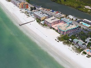 Oceanfront 1400 sq ft Condo at Beach Cottage One!  Private Beach, Big Pool
