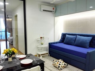 KL Gateway Deluxe Suite 1 min to LRT | Mid Valley, University of Malaya, KLCC