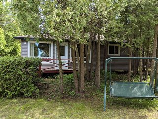 Recently Renovated: Gorgeous Sauble Beach Cottage