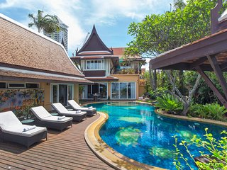 ⭐Luxury 6 Bedroom Beachfront Villa w/ Swimming Pool & Pool Table