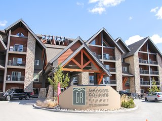 ❧ Luxury Mountain View Oasis in the Rockies ❧