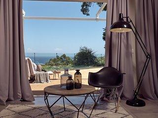 Chris & Jo Villas, 2-bedroom Villa with pool