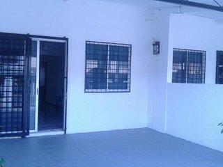 Jumbo Petagas Guesthouse