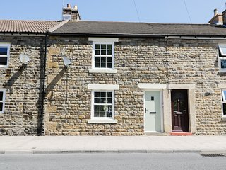 18 HOOD STREET, superb cottage in North Pennines, in St John's Chapel