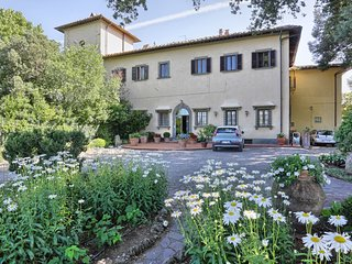 5 bedroom Apartment in Tavarnelle Val di Pesa, Tuscany, Italy : ref 5581037