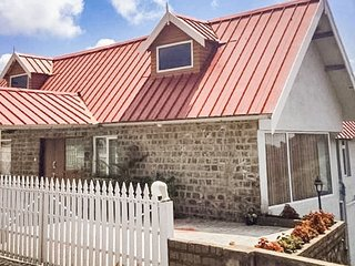 2 Bedroom cottage in Hillsborough