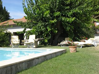 2 bedroom Apartment in Saint-Roman-de-Malegarde, Provence-Alpes-Côte d'Azur, Fra