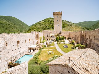 5 bedroom Chateau in Capodacqua, Umbria, Italy : ref 5048982