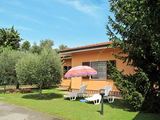 3 bedroom Villa in Capanne-Prato-Cinquale, Tuscany, Italy : ref 5447686