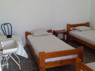 Room 1 - Grandma Vasiliki Rooms To Let