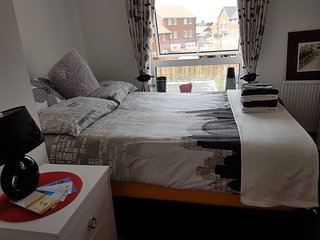 Castle Hill Beauty double bed with ensuite and T V in the room and free WiFi