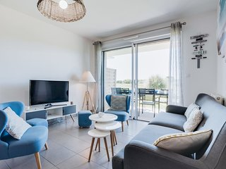 3 bedroom Apartment in Port-Haliguen, Brittany, France : ref 5541647