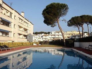 Magnífica situación. Apartamento con vistas y piscina en l'Escala - Costa Brava