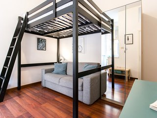 Lovely studio flat 2 metro stops from Colosseum