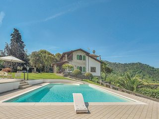 5 bedroom Villa in Acquaviva, Tuscany, Italy : ref 5566954