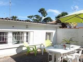 2 bedroom Villa in Pontaillac, Nouvelle-Aquitaine, France : ref 5534985