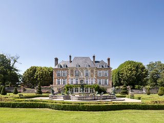 14 bedroom Chateau with Pool - 5049734