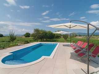 5 bedroom Villa in Gala, Splitsko-Dalmatinska Zupanija, Croatia : ref 5585751