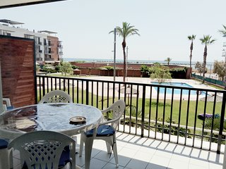 APARTAMENTO EN 1a LINEA DE MAR (MERCE)