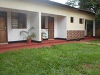 Tarn Hut Resort Villa 2, casa vacanza a Kilimanjaro Region