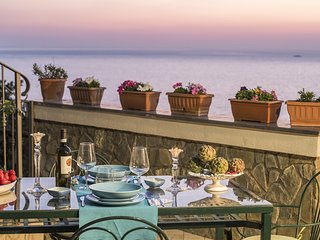 Bright and charming VILLA VALENTINA with private panoramic terrace and sea view