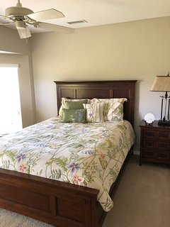 Guest bedroom 2 with queen bed
