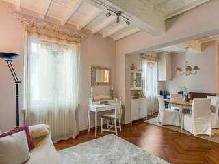 Charming 1 Bedroom Apartment at Ognissanti in Florence