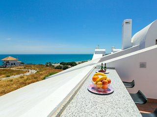 La Cala townhouse, beach 400 m, roof terrace, BBQ