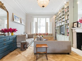 Stunning 2 Bed Notting Hill House in Notting Hill