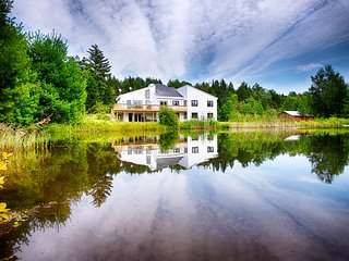 9 BR Lakefront Luxury Getaway on 10 Acres. Sleeps 24!