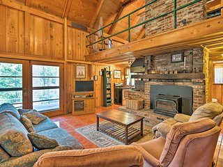 Cozy Choice Wood Cabin- 5 Minutes from Shaver Lake
