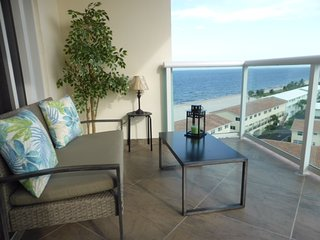 2/2 ON THE BEACH! OCEANFRONT  - w/ Fabulous Ocean View in LBTS