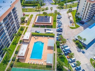 Lovely Condo is 2 blocks to Beach! Covered Parking Space, Pool, Tennis Courts!