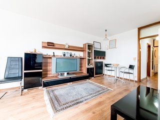 Apartment in Hanover with Internet, Parking, Balcony, Washing machine (1009571)