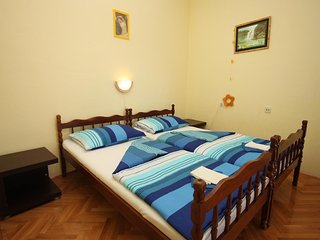 One bedroom apartment Zaostrog, Makarska (A-6678-c)