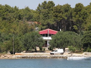 Two bedroom apartment Verunic, Dugi otok (A-8105-b)