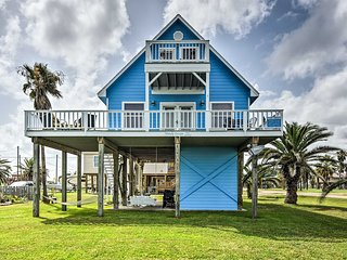 Cozy Surfside Beach House w/ Deck & Gulf Views!