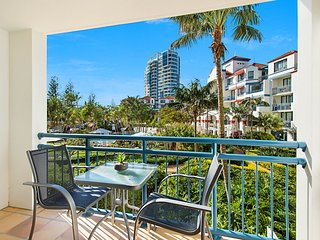 Calypso Plaza Resort Unit 215 Beachfront Studio Apartment