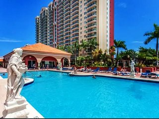 Luxurious Miami Beach Bay and Ocean View 2B/2B with Boat Renal