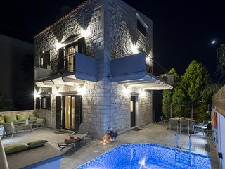 Sirokos Brand-New Luxury Villa, 150m Away From Stalo Sandy Beach