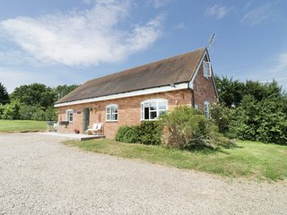 THE HEN HOUSE, WIFI, open plan, super king size beds, Ref 970182