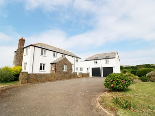 PENHALLICK HOUSE, large/spacious, Tintagel