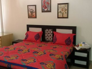 SB BEST FURNISHED HOME STAY Room 1