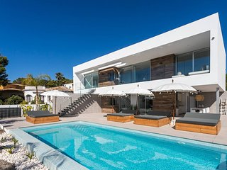 Newly Constructed Luxury Villa with Sea Views in Moraira
